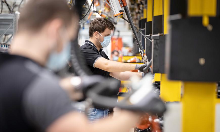 Las Plantas de Mercedes-Benz en el mundo reinician poco a poco producción