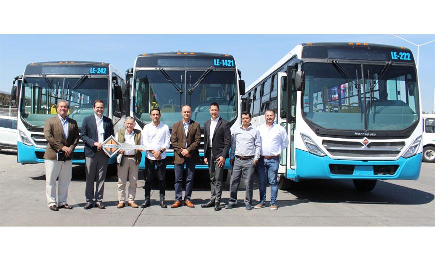 Navistar México entrega por primera vez unidades a Corporativo Transporta SA de CV