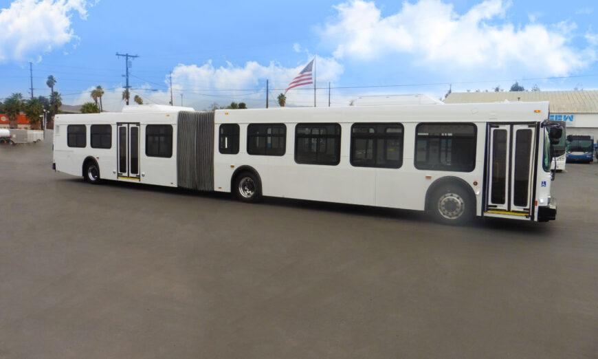 Complete Coach Works (CCW) entrega dos autobuses de 60 a Capital Area Transit