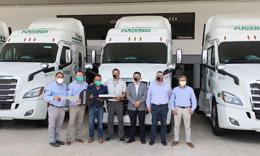 Zapata Camiones de León, concretó la adquisición de diez tractocamiones Cascadia a la empresa Plateros Trucking