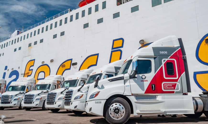 Baja Ferries y GEOS adquieren 22 tractocamiones de la marca Freightliner